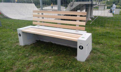 Realizacja projektu współpracy – ławki solarne